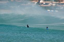 Surf en playa Geribá