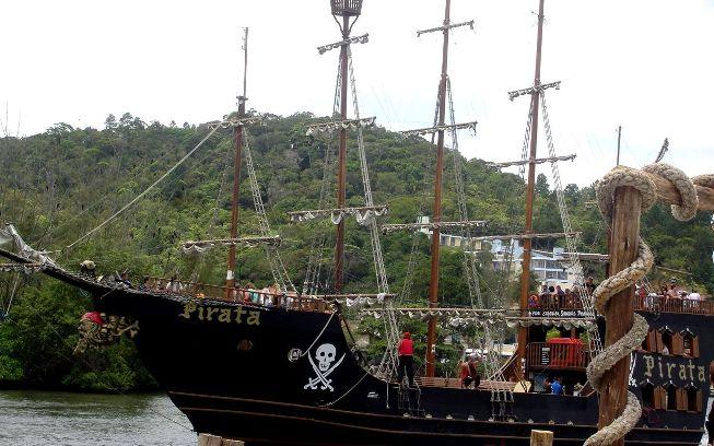 Barco Pirata en Camboriú