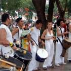 ¿Cómo bailar la música de la samba brasilera?