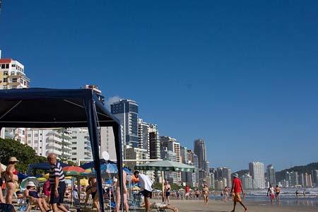 Diez destinos recomendados para viajes en familia a Brasil: Camboriu