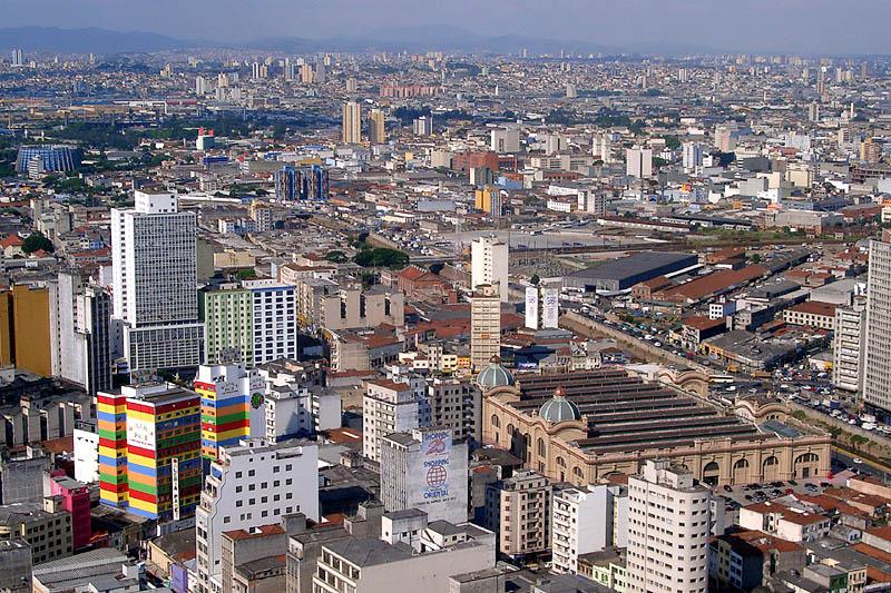 Urbanización y demanda de vivienda en el mercado inmobiliario brasileño