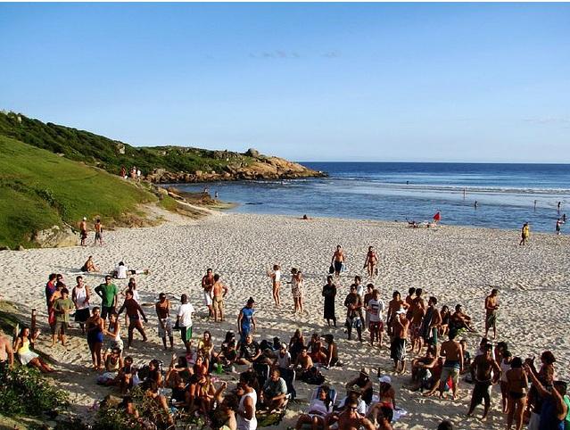 Playas juveniles en Brasil: Guarda do Embau