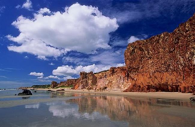 Cómo disfrutar de tu luna de miel a orillas del mar en Canoa Quebrada