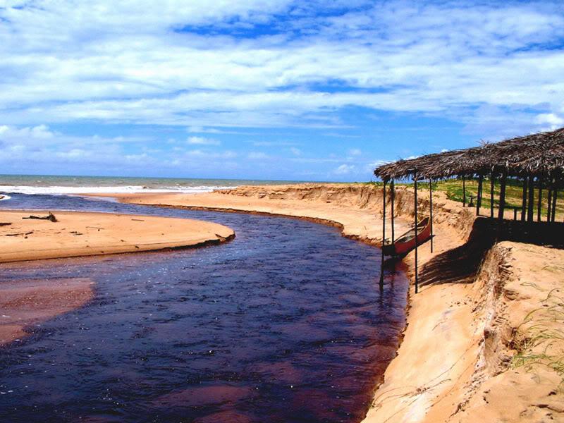 Playas desiertas de Brasil: Riacho Doce en Itaúnas