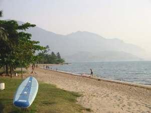 playa Pequeá en Ilhabela