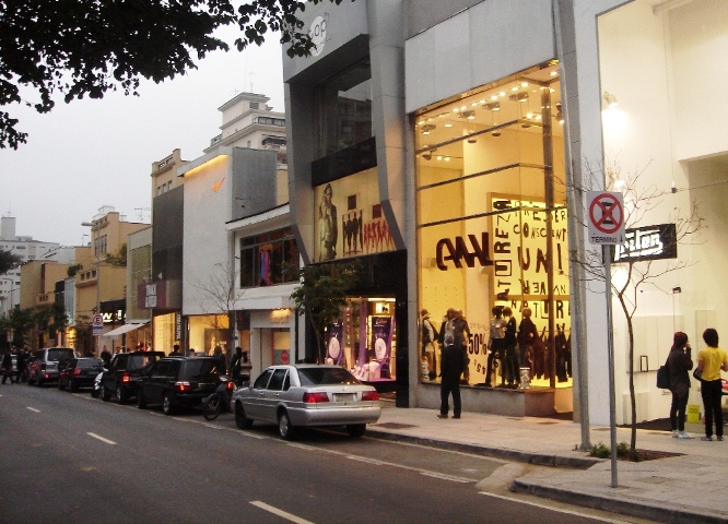 Calle Oscar Freire