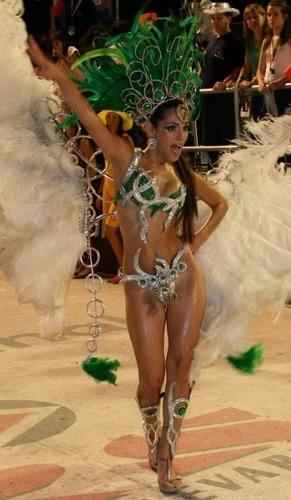 Vestimenta típica de la samba