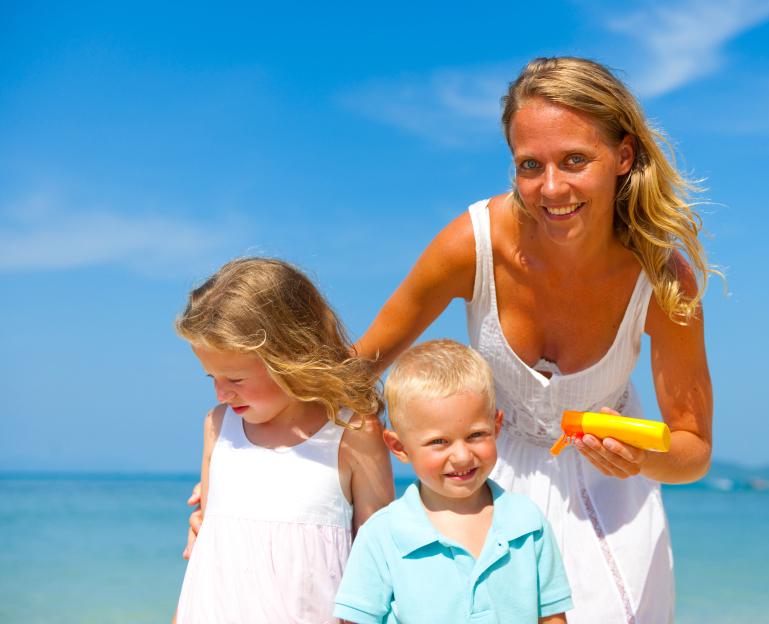 Tips para viajar con niños a Brasil: cuidarse del sol