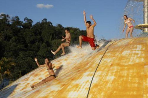 Juego Bubble Up en parque acuático Wet n'Wild, Campinas